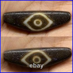 Ancient tibet very Old Rare Eyes Old Agate Dzi Bead